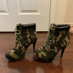 Forever21 Camouflage Ankle Boot